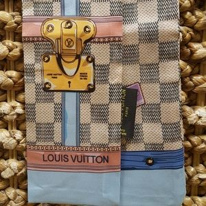 Louis Vuitton summer trunk azur bandeau scarf
